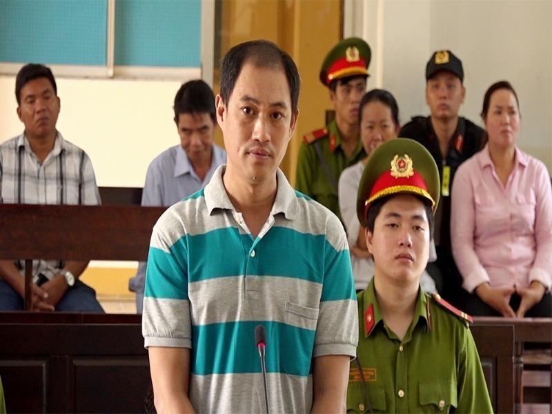 Phạt tù kẻ xuyên tạc, chống phá Nhà nước - ảnh 1
