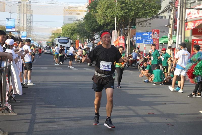 2000 người vừa chạy marathon vừa ngắm cảnh đẹp Cần Thơ  - ảnh 2