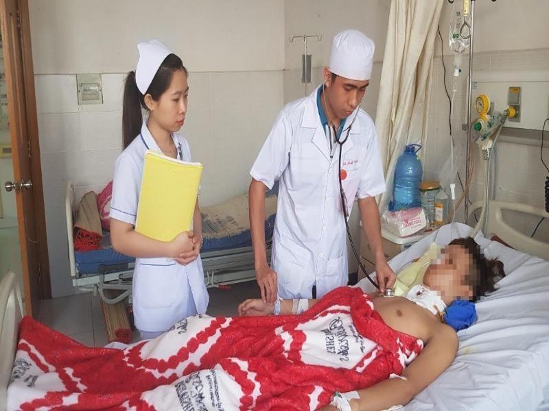Phẫu thuật cứu sống thanh niên bị vỡ rời khí quản - ảnh 1