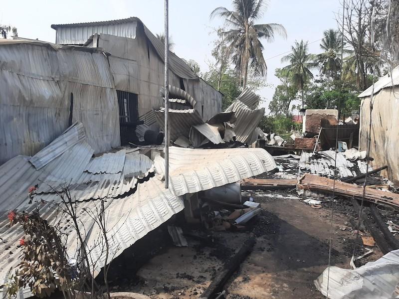Cháy 7 căn nhà ở huyện biên giới An Giang - ảnh 2