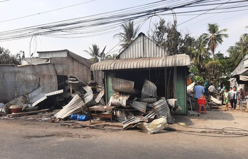 Cháy 7 căn nhà ở huyện biên giới An Giang - ảnh 1