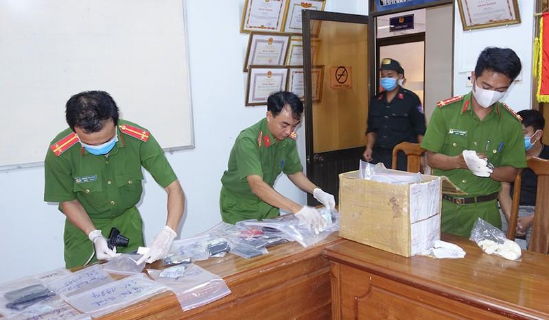 Bộ Công an phá sới bạc lớn ở An Giang trong đêm - ảnh 3