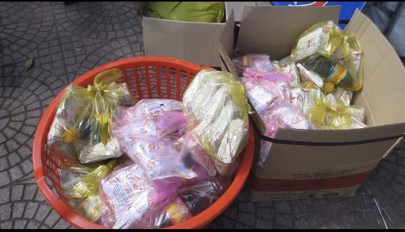 Công an Vĩnh Long lắp đặt ATM gạo hỗ trợ người khó khăn - ảnh 3