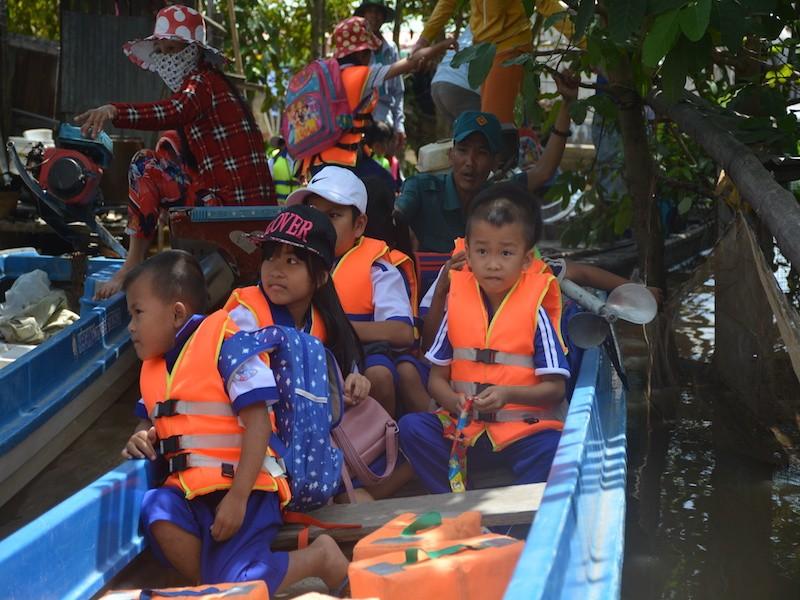 An Giang: Hơn 1.300 học sinh ở Campuchia chưa thể về học - ảnh 1