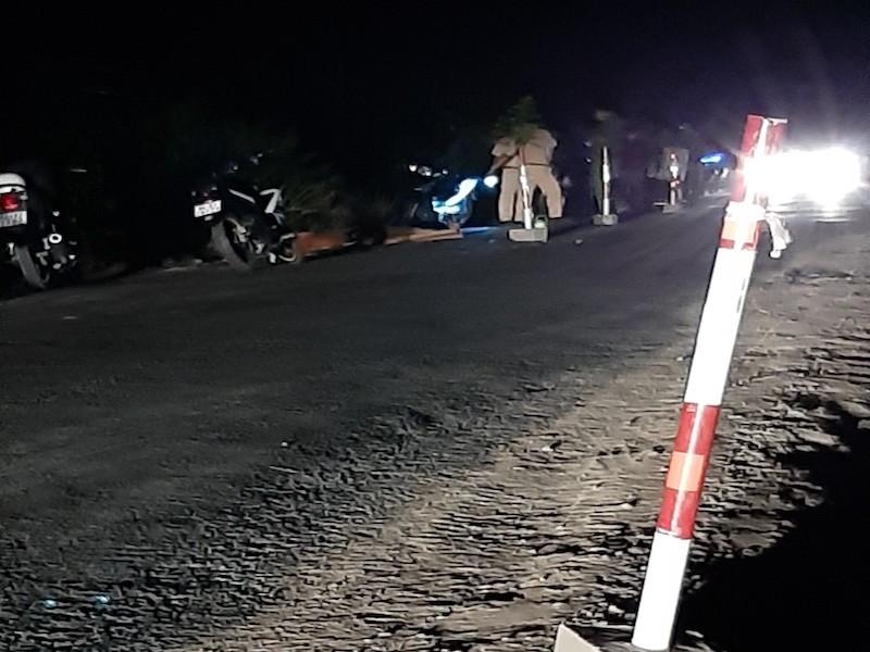 1 người tử vong trên Quốc lộ 57 nghi bị xe cán trong đêm - ảnh 1