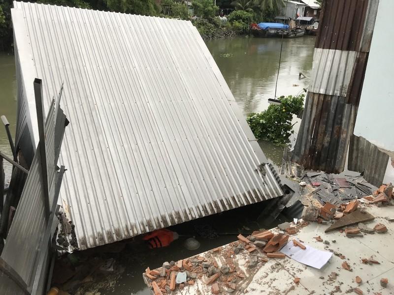 Lại sạt lở ở An Giang, 15 nhà dân phải di dời - ảnh 2