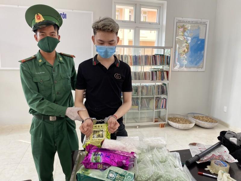Biên phòng An Giang bắt 5 người cùng hơn 32 kg ma túy - ảnh 2