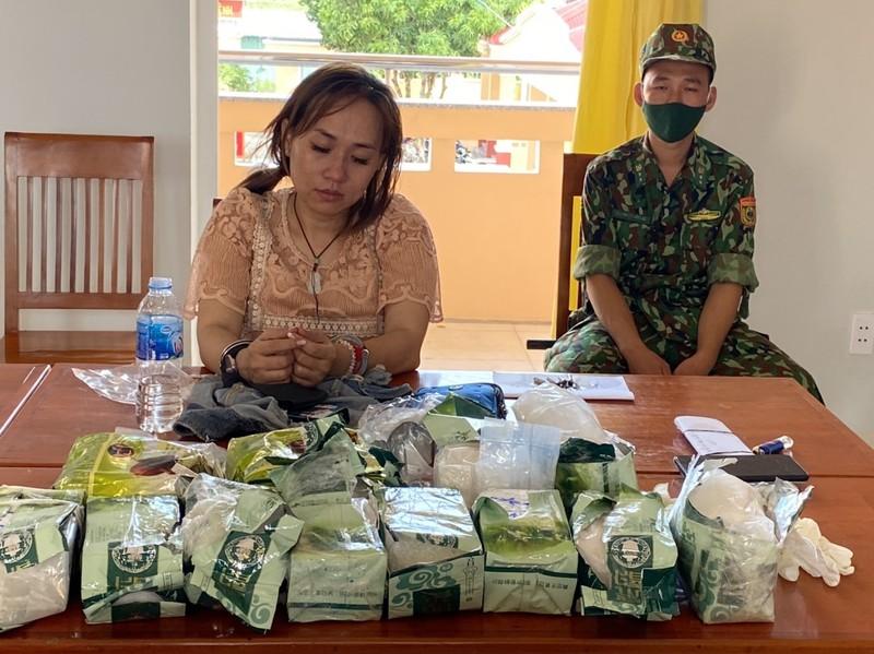 Biên phòng An Giang bắt 5 người cùng hơn 32 kg ma túy - ảnh 3
