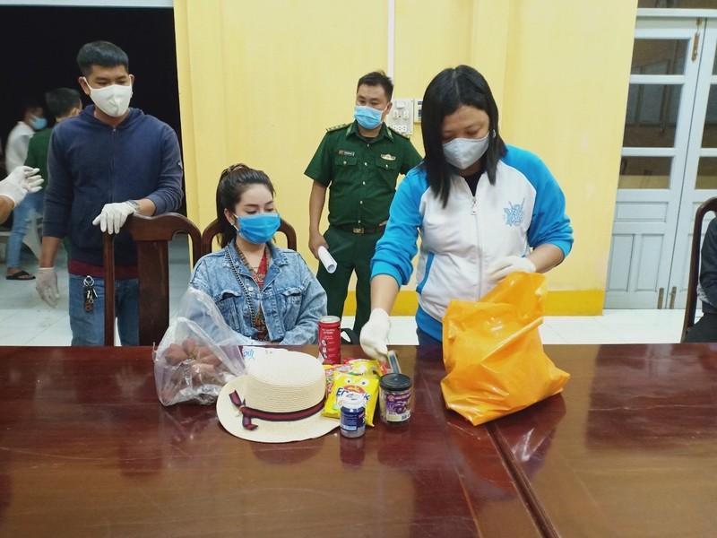Bắt 11 người nhập cảnh trái phép từ Campuchia về Việt Nam - ảnh 1