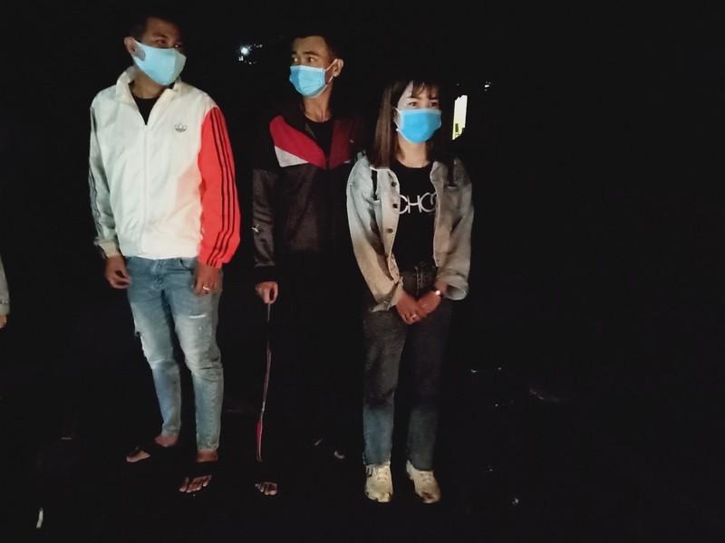 Bắt 11 người nhập cảnh trái phép từ Campuchia về Việt Nam - ảnh 2