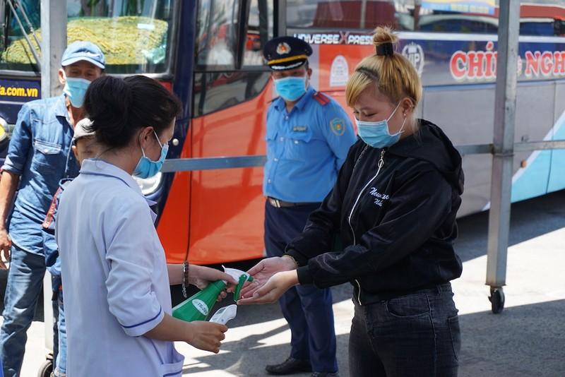 Cần Thơ: Xét nghiệm COVID-19 tất cả hành khách bay từ Đà Nẵng - ảnh 4