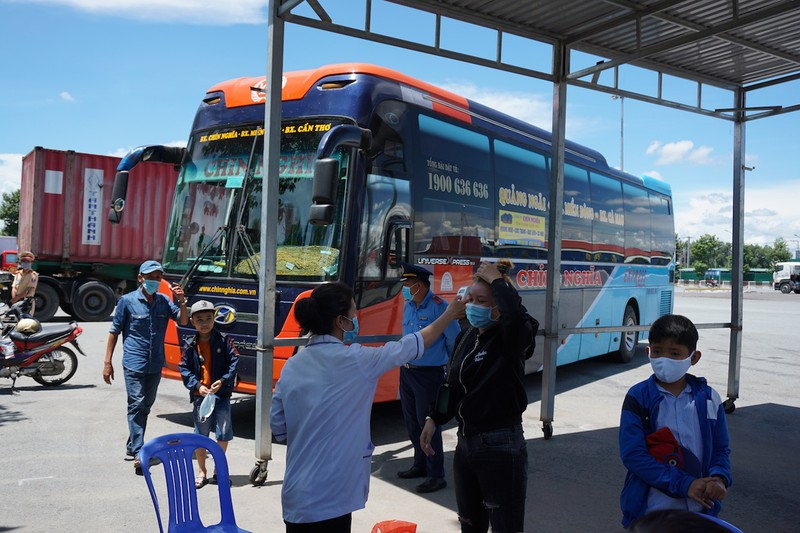 Cần Thơ: Xét nghiệm COVID-19 tất cả hành khách bay từ Đà Nẵng - ảnh 3