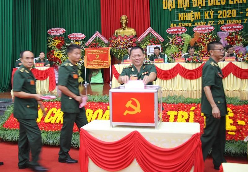 Chính ủy Bộ đội Biên phòng An Giang tái đắc cử Bí thư Đảng uỷ - ảnh 1