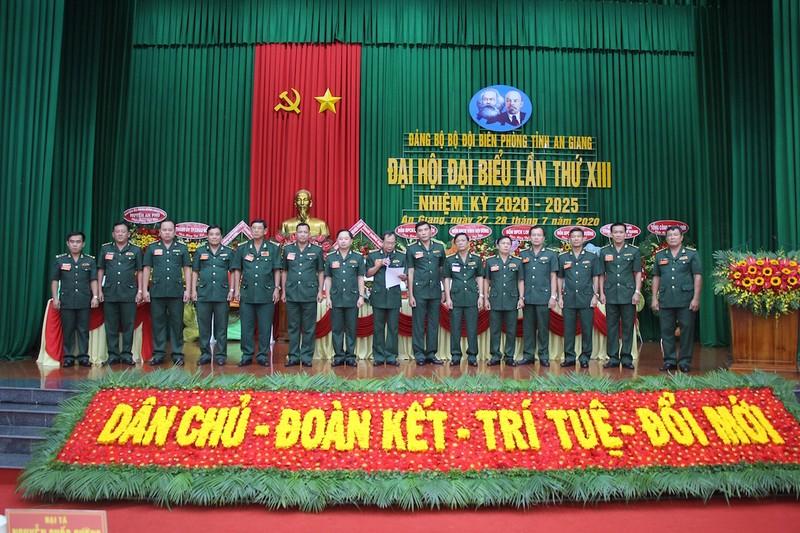 Chính ủy Bộ đội Biên phòng An Giang tái đắc cử Bí thư Đảng uỷ - ảnh 2