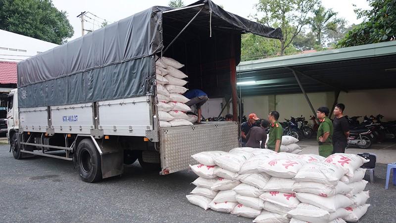 39 tấn đường nhập lậu bị CSGT chặn bắt - ảnh 2