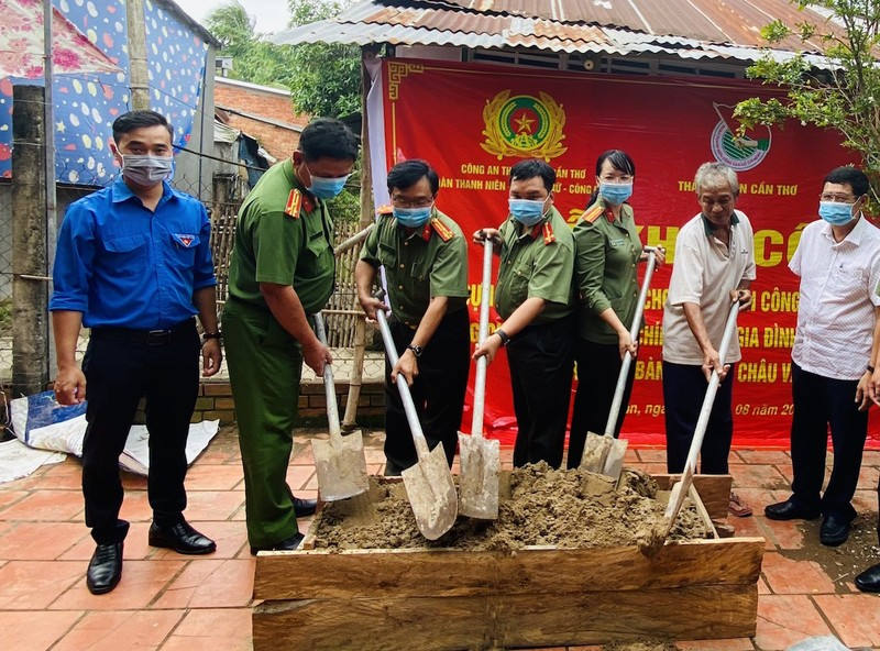 Báo Pháp Luật TP.HCM hỗ trợ xây nhà đồng đội tại Cần Thơ - ảnh 1
