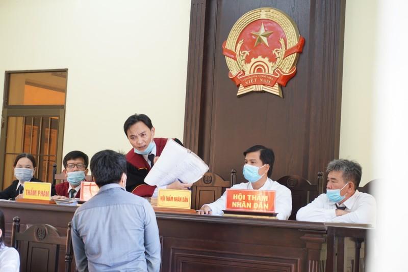 Ngày 31-8 tòa mới tuyên án lần 3 vụ 'cướp xuyên không' - ảnh 2