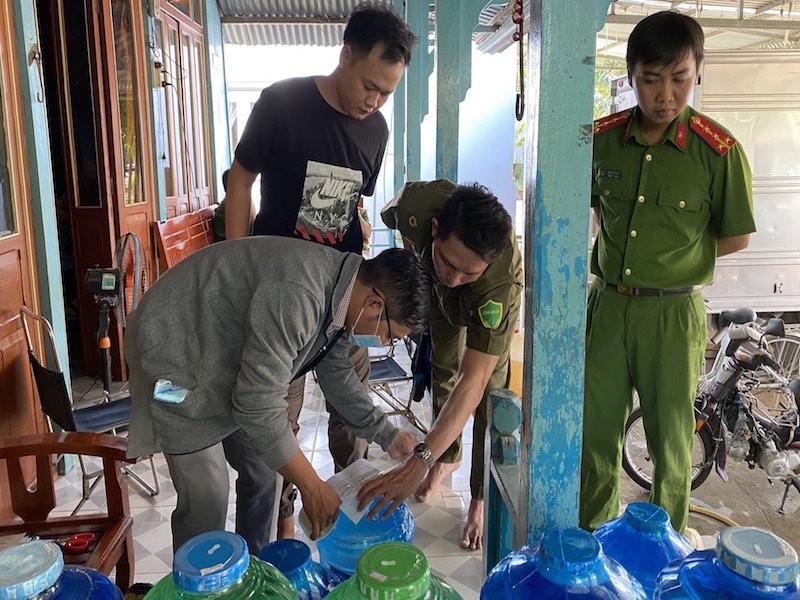 Đồng Tháp: 1 cơ sở sản xuất nước uống nhiễm khuẩn E.coli - ảnh 1