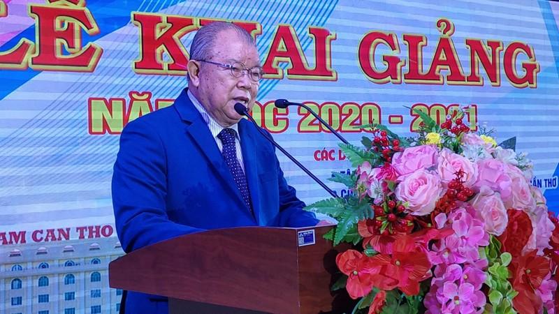 Đại học Nam Cần Thơ trao 5 tỉ cho sinh viên ảnh hưởng COVID-19 - ảnh 1