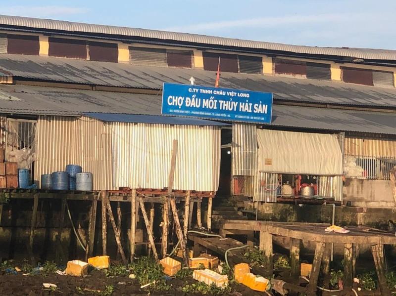 An Giang: Từng bị phạt nhưng chợ đầu mối thuỷ hải sản vẫn xả thải ra sông Hậu - ảnh 1