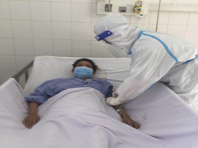Cứu sống sản phụ bị lao màng phổi, nhiễm COVID-19  - ảnh 1