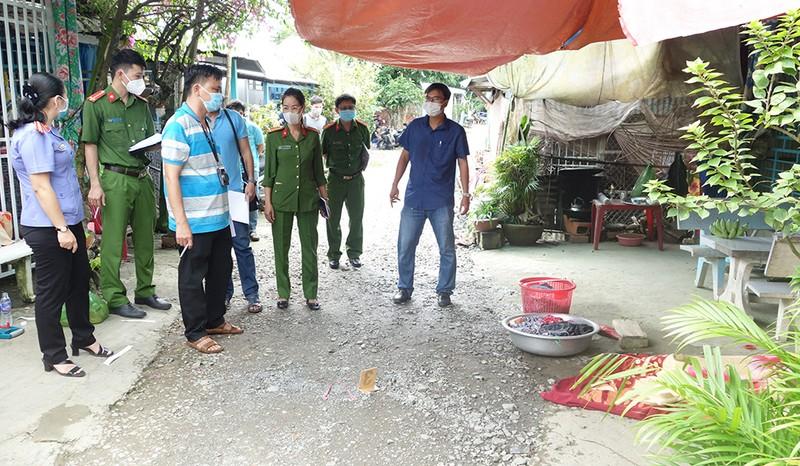 Cầm cây xăm gạo sang nhà hàng xóm sát hại làm 1 người chết 2 người bị thương - ảnh 3