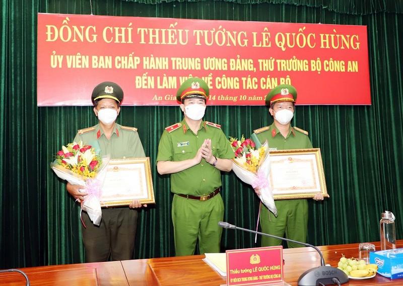 Công an tỉnh An Giang nhận 2 Bằng khen của Thủ tướng Chính phủ - ảnh 3