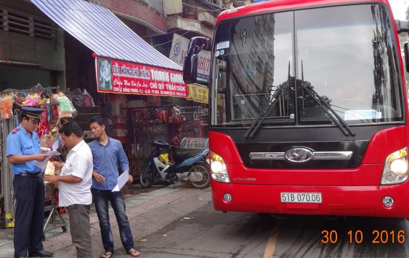 TP.HCM: Bắt được toàn 'xe lạ' đi vào đường cấm - ảnh 1