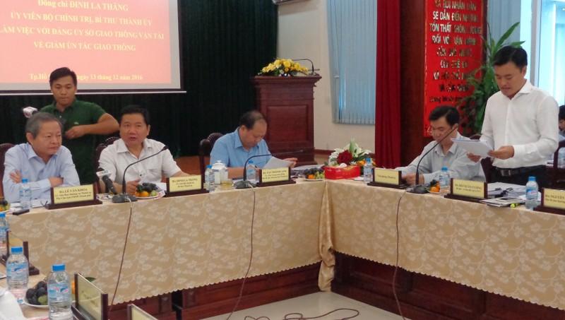 TP.HCM: Sở GTVT kiến nghị 10 giải pháp giảm kẹt xe - ảnh 1
