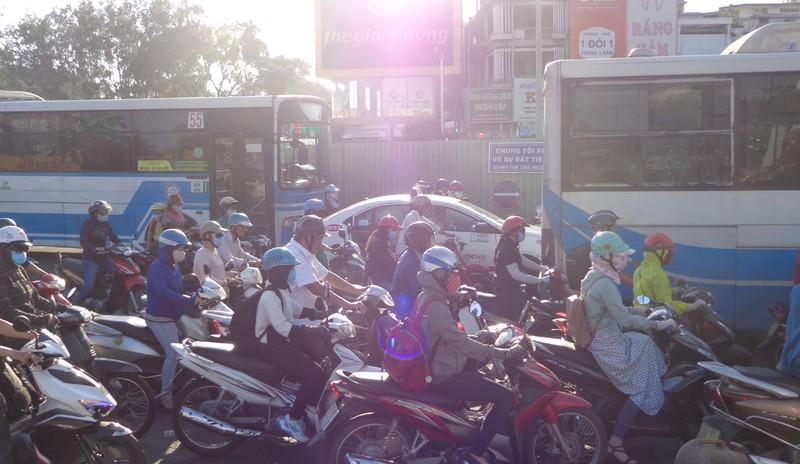 Đề xuất cấm xe máy chạy trên đường - ảnh 2