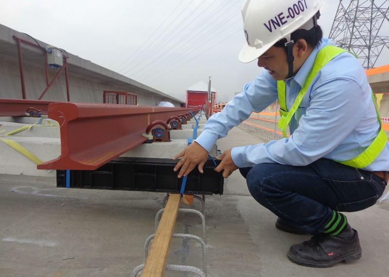 Bắt đầu lắp ray tuyến metro số 1 Bến Thành-Suối Tiên - ảnh 6