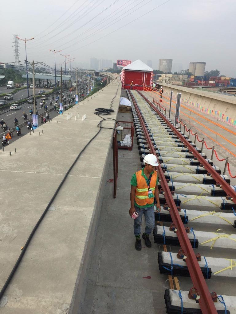 Bắt đầu lắp ray tuyến metro số 1 Bến Thành-Suối Tiên - ảnh 5