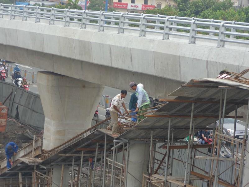 Thông xe nhánh mở rộng cầu Nguyễn Tri Phương - ảnh 4