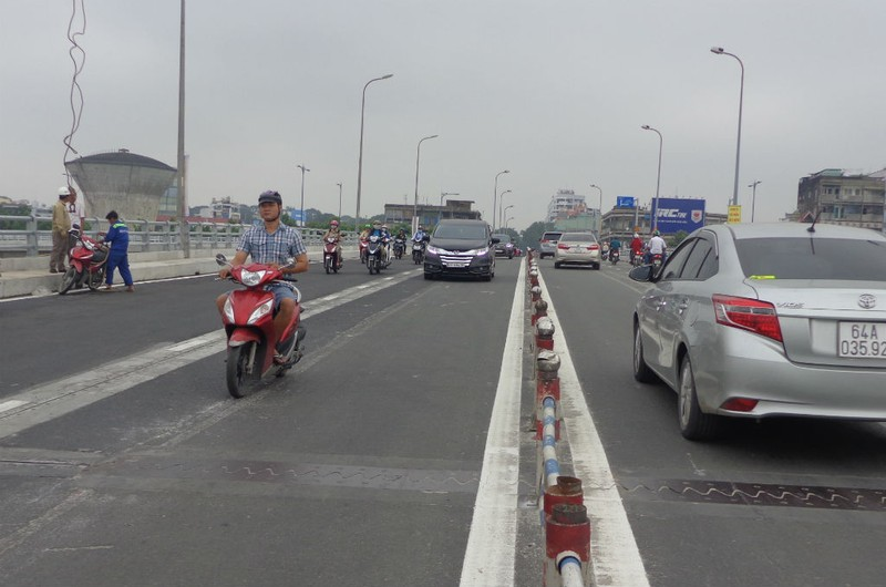 Thông xe nhánh mở rộng cầu Nguyễn Tri Phương - ảnh 1