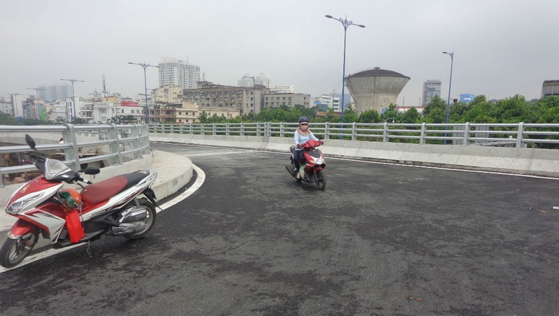 Thông xe nhánh mở rộng cầu Nguyễn Tri Phương - ảnh 3