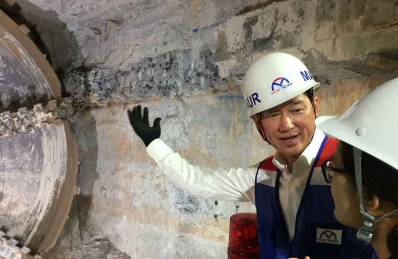 Robot 'khủng' chuẩn bị khoan hầm metro số 2 - ảnh 4