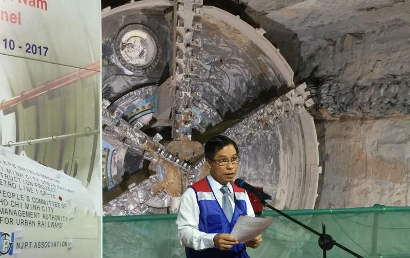 Robot 'khủng' chuẩn bị khoan hầm metro số 2 - ảnh 1