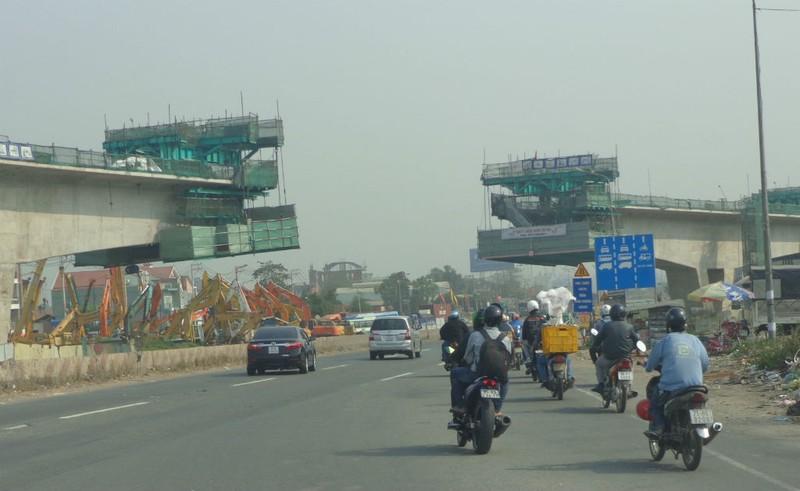 Xa lộ Hà Nội chậm mở rộng vì vướng... cơ chế - ảnh 5