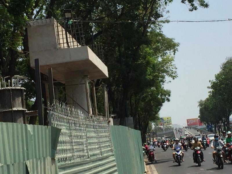 Cấm đường Hoàng Minh Giám để làm cầu đi bộ - ảnh 2