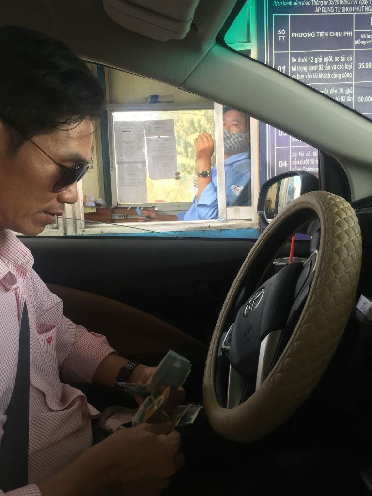 Sẽ xử phạt xe không dán thẻ thu giá BOT không dừng - ảnh 4