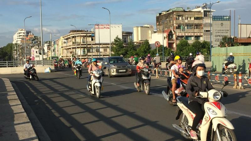 Hoàn thành mở rộng cầu Nguyễn Tri Phương trước Tết 2019 - ảnh 5