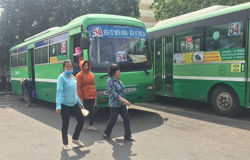 Nguy cơ xe buýt ngưng chạy vì tiền trợ giá chậm, thấp - ảnh 1