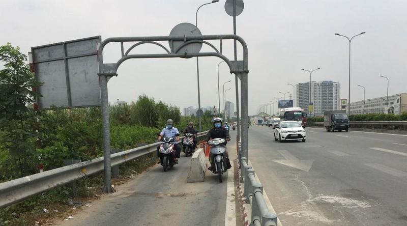 Đã dẹp dải bê tông làm chết người trên đường dẫn cao tốc - ảnh 1