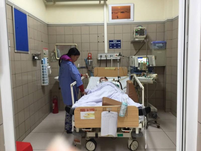 Thêm 4 bệnh nhân nhập viện do ngộ độc rượu methanol - ảnh 1