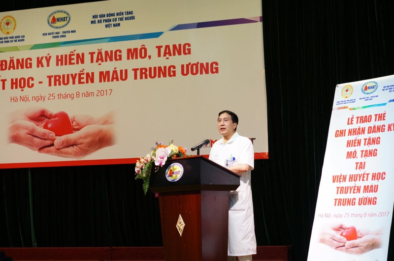 465 thầy thuốc đăng ký hiến tạng cứu người bệnh  - ảnh 1