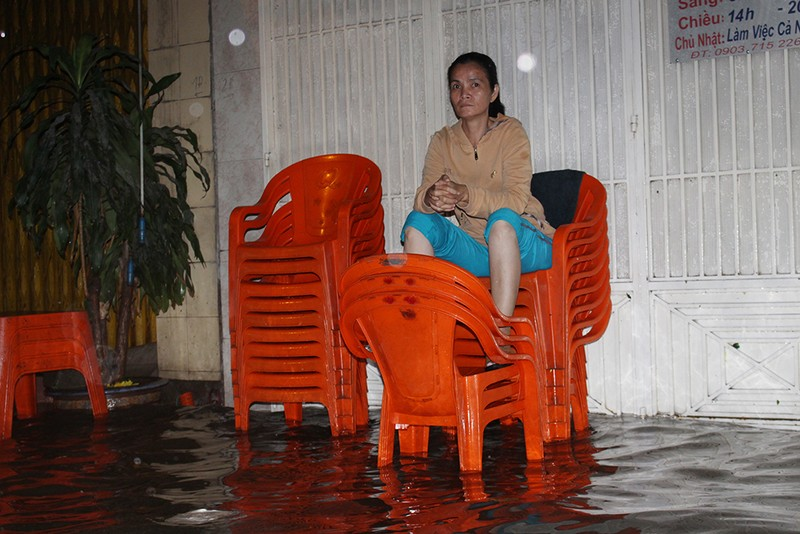 TP.HCM: Khách ăn xong phải ngồi chờ... nước rút - ảnh 7