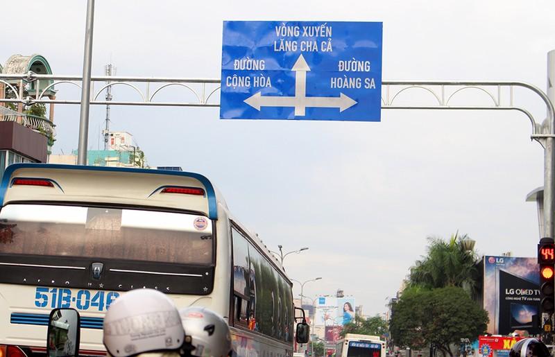 TP.HCM thay hàng loạt biển báo giao thông - ảnh 1