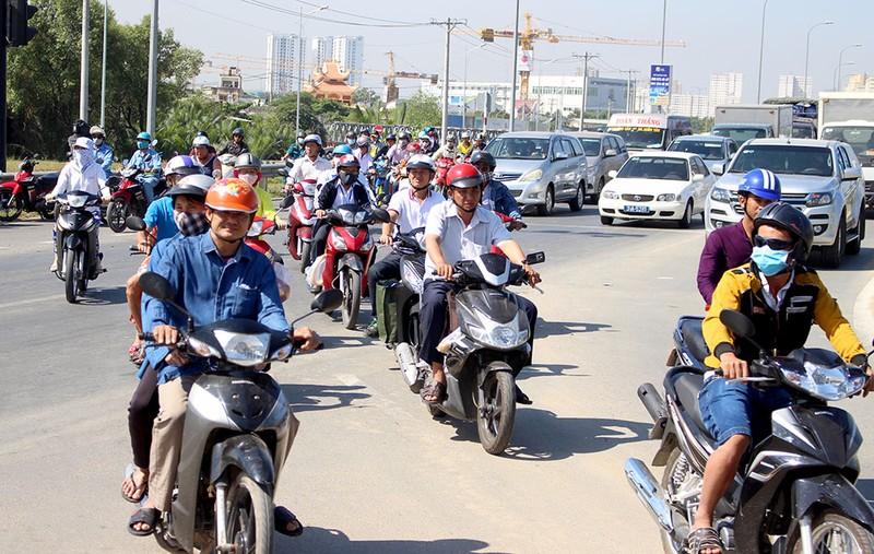 Thưa thớt xe máy đi vào đường dẫn cao tốc Long Thành - ảnh 3