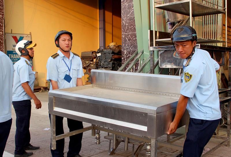 Quận Bình Tân  mạnh tay phạt vi phạm vỉa hè  - ảnh 5