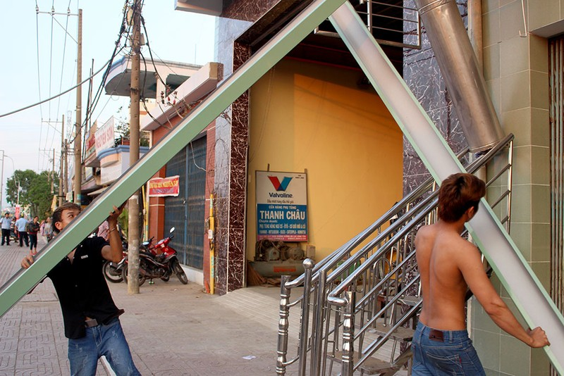 Quận Bình Tân  mạnh tay phạt vi phạm vỉa hè  - ảnh 7